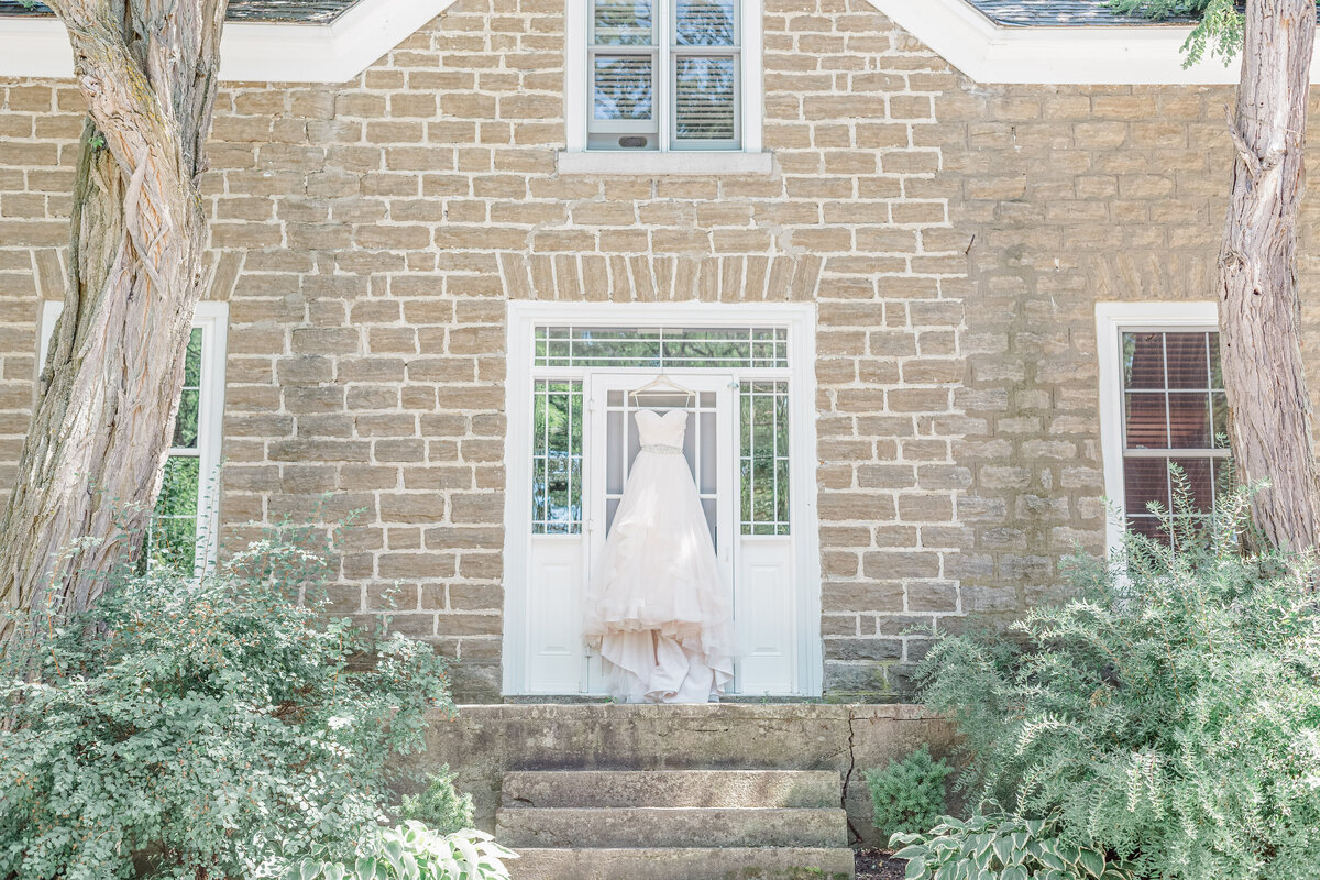 Stonefields-weddings-events-beckwith-wedding-light-airy-grey-loft-studio-12