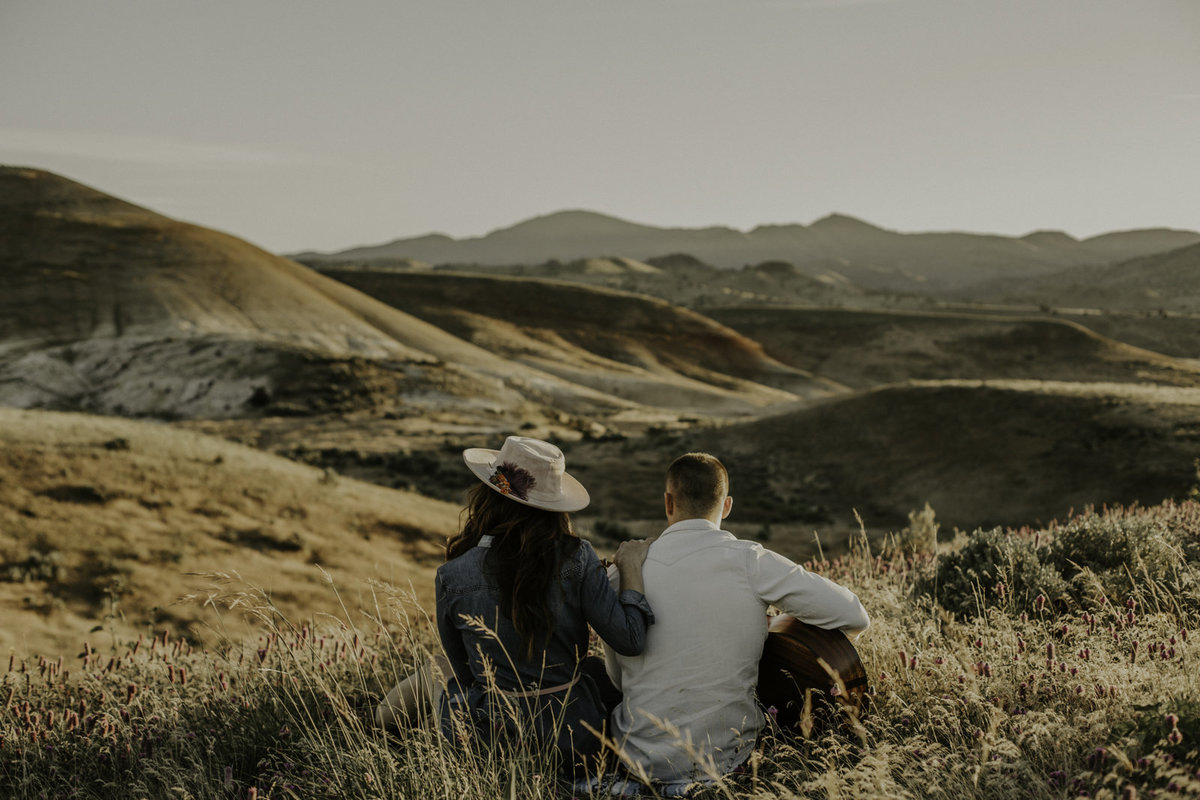 Portland-elopement-Photographer-Painted-hills-oregon-1