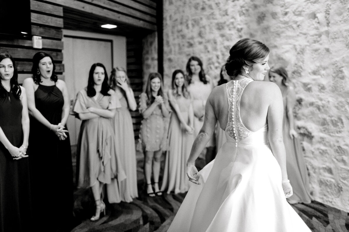 Kaylee & Michael's Wedding at Watermark Community Church | Dallas Wedding Photographer | Sami Kathryn Photography-31