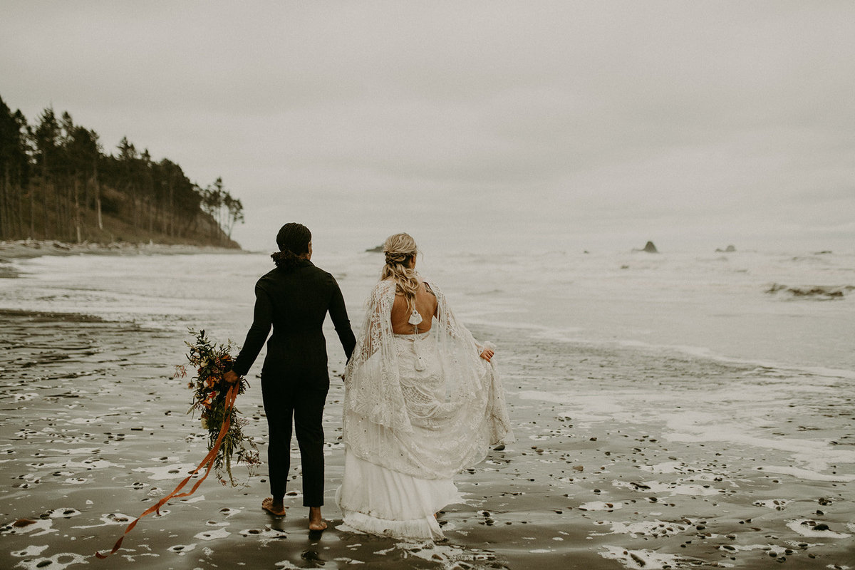 Ruby_Beach_Styled_Elopement_-_Run_Away_with_Me_Elopement_Collective_-_Kamra_Fuller_Photography_-_Portraits-150