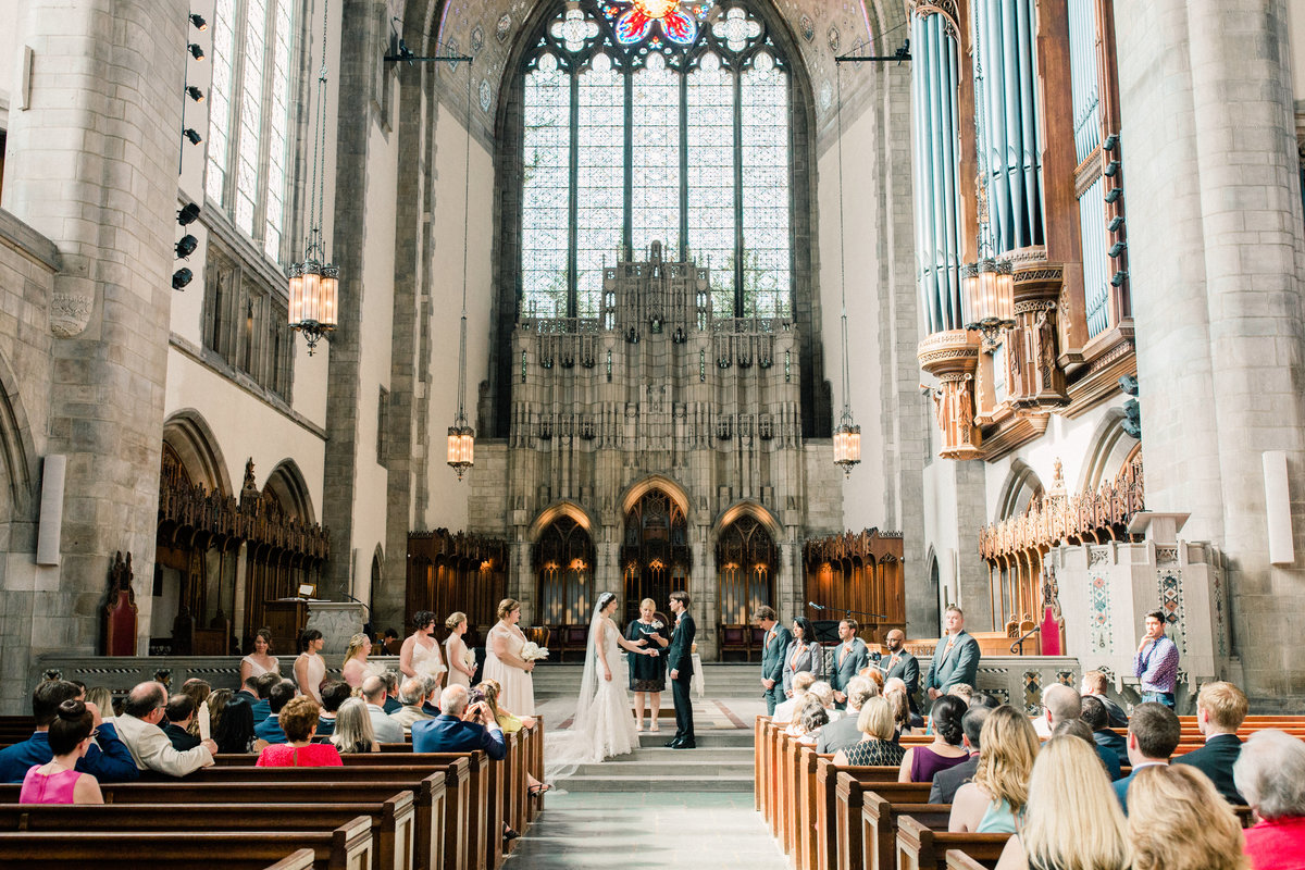 Dorothy_Louise_Photography_University_of_Chicago_Chapel_Wedding-30