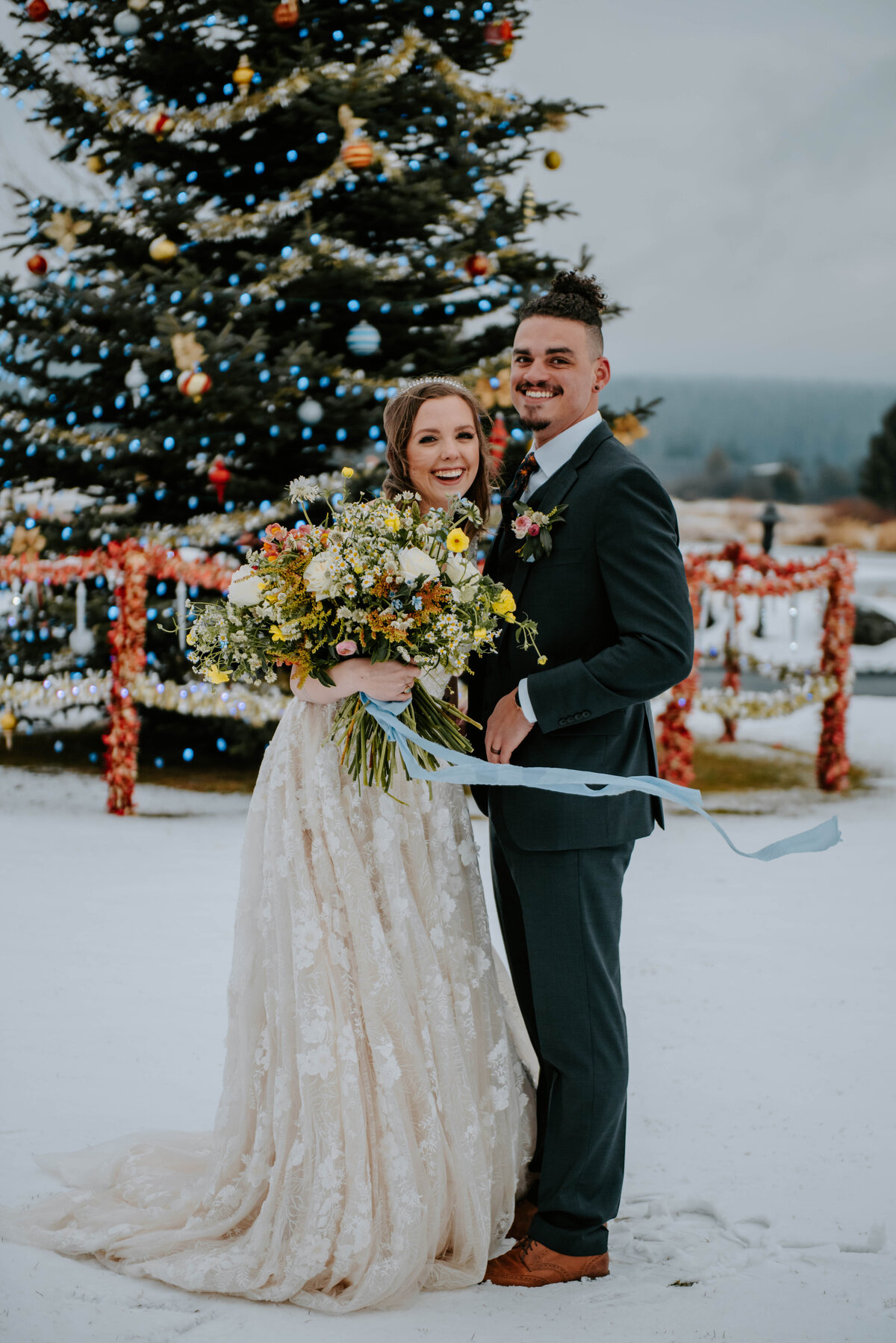 sunriver-resort-oregon-wedding-venue-christmas-elopement-photographer-destination-1779