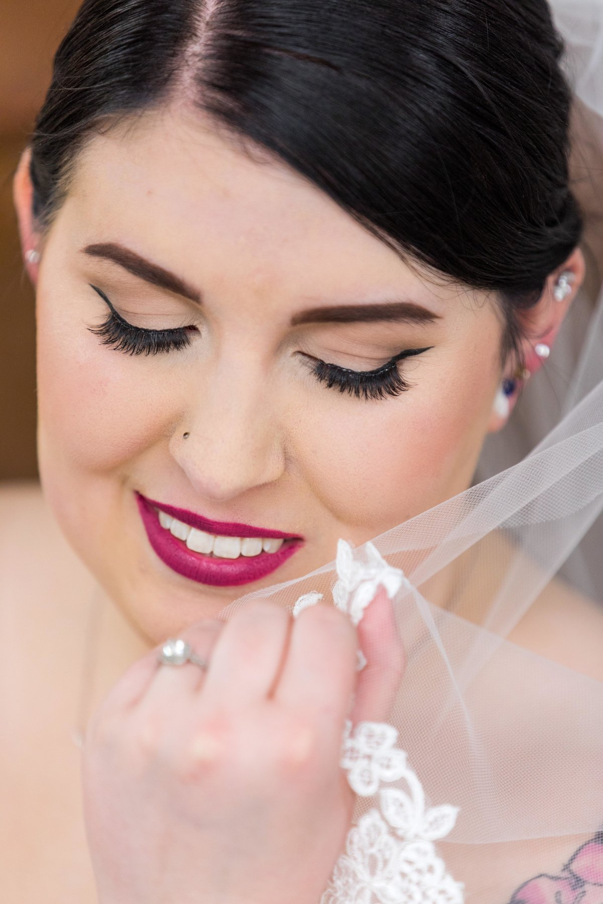Hannah-Barlow-Photography-Wedding-Bride-Getting-Ready_012