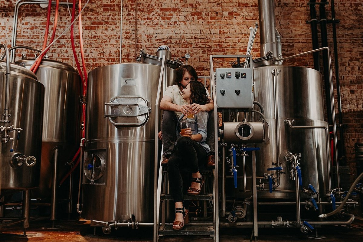 21-Tucson-Brewery-Engagement-Photos
