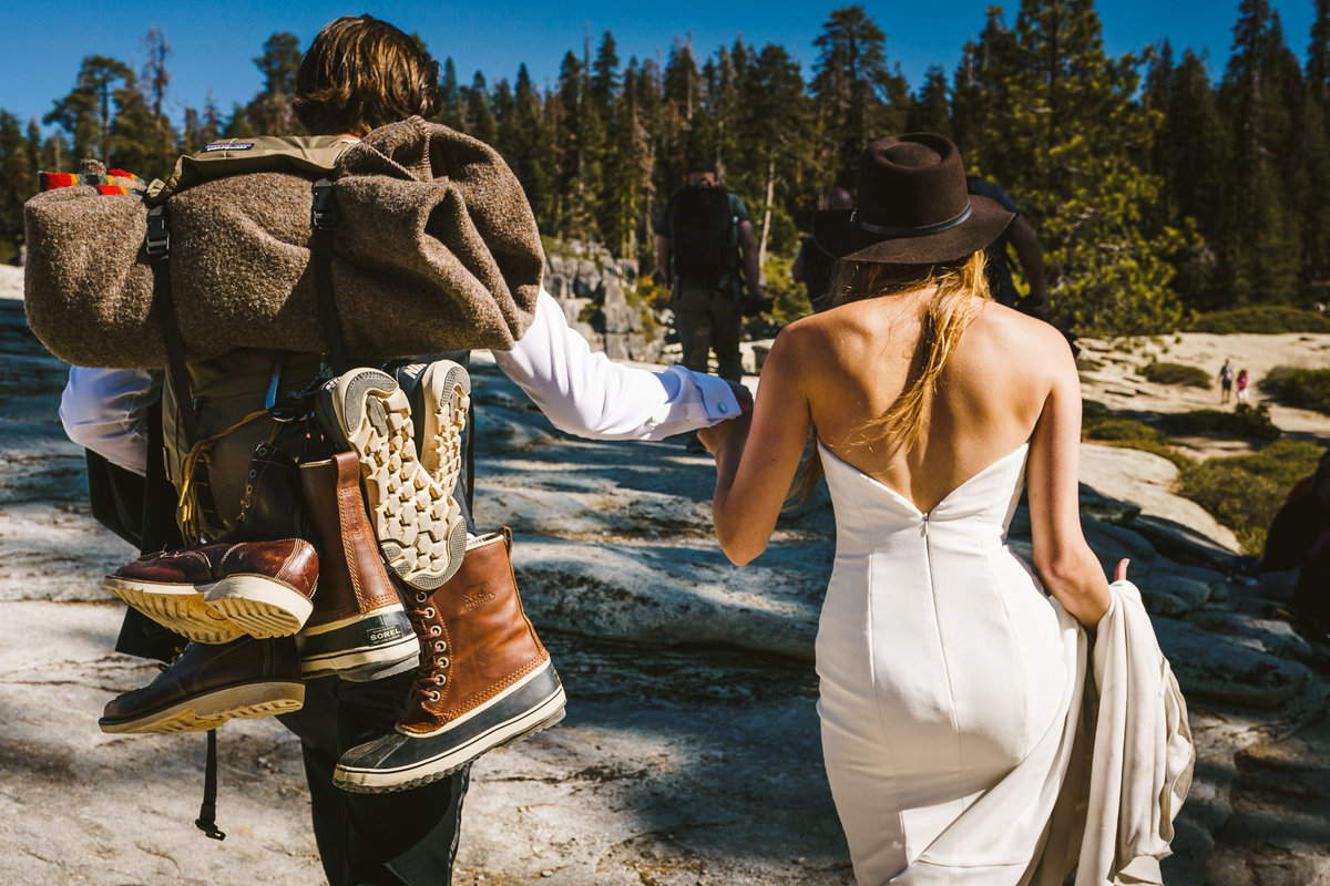 Two15-15-adventure-yosemite-wedding