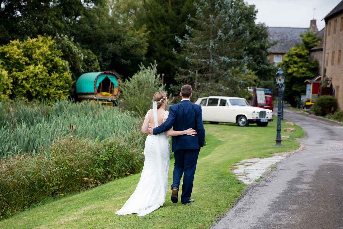 october wedding at haselbury mill somerset