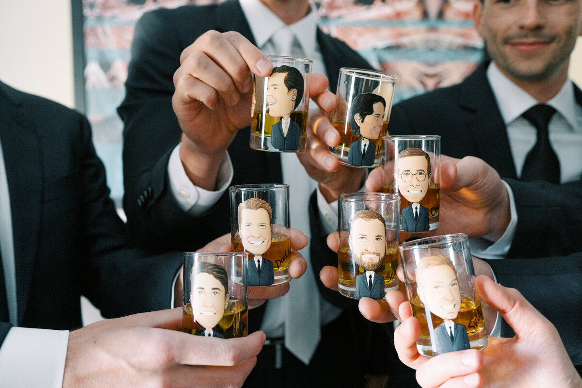 custom-shot-glasses-wedding