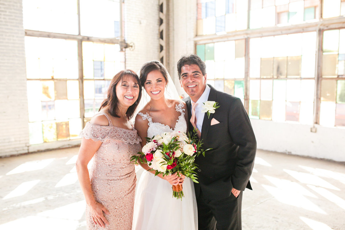 Albuquerque Wedding Photographer_Abq Rail Yards Reception_www.tylerbrooke.com_020