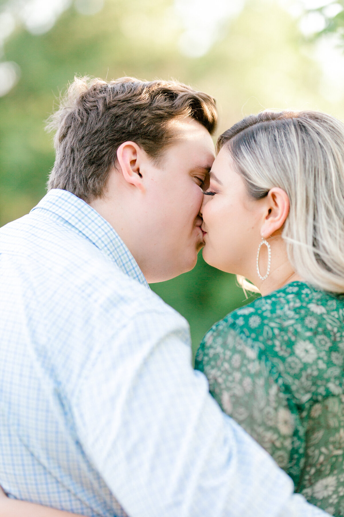 Maddie & Chris Engagement Session at Tandy Hills Natural Area | Sami Kathryn Photography | Dallas DFW Fort Worth Wedding and Portrait Photogapher-9