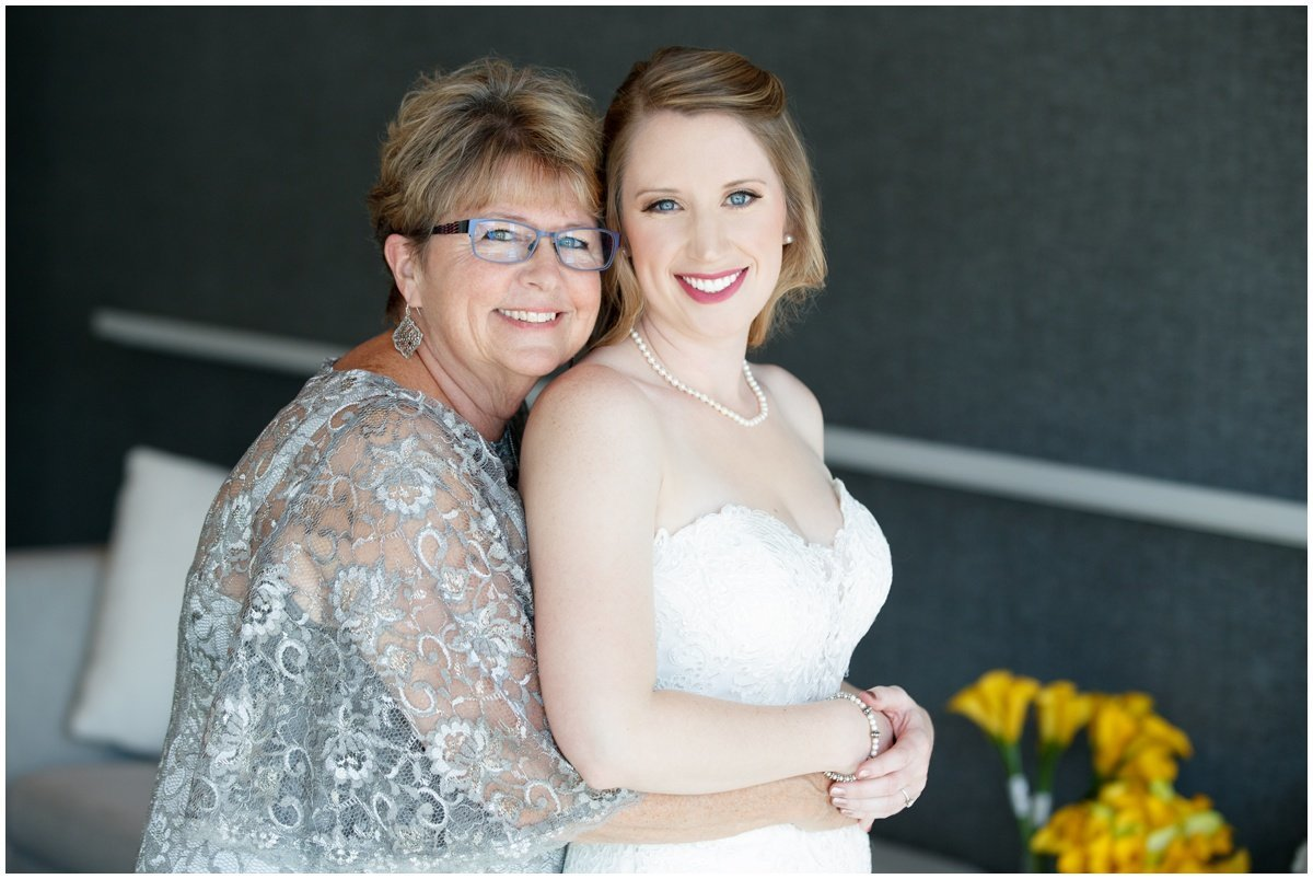 Austin wedding photographer w hotel wedding photographer bride mom