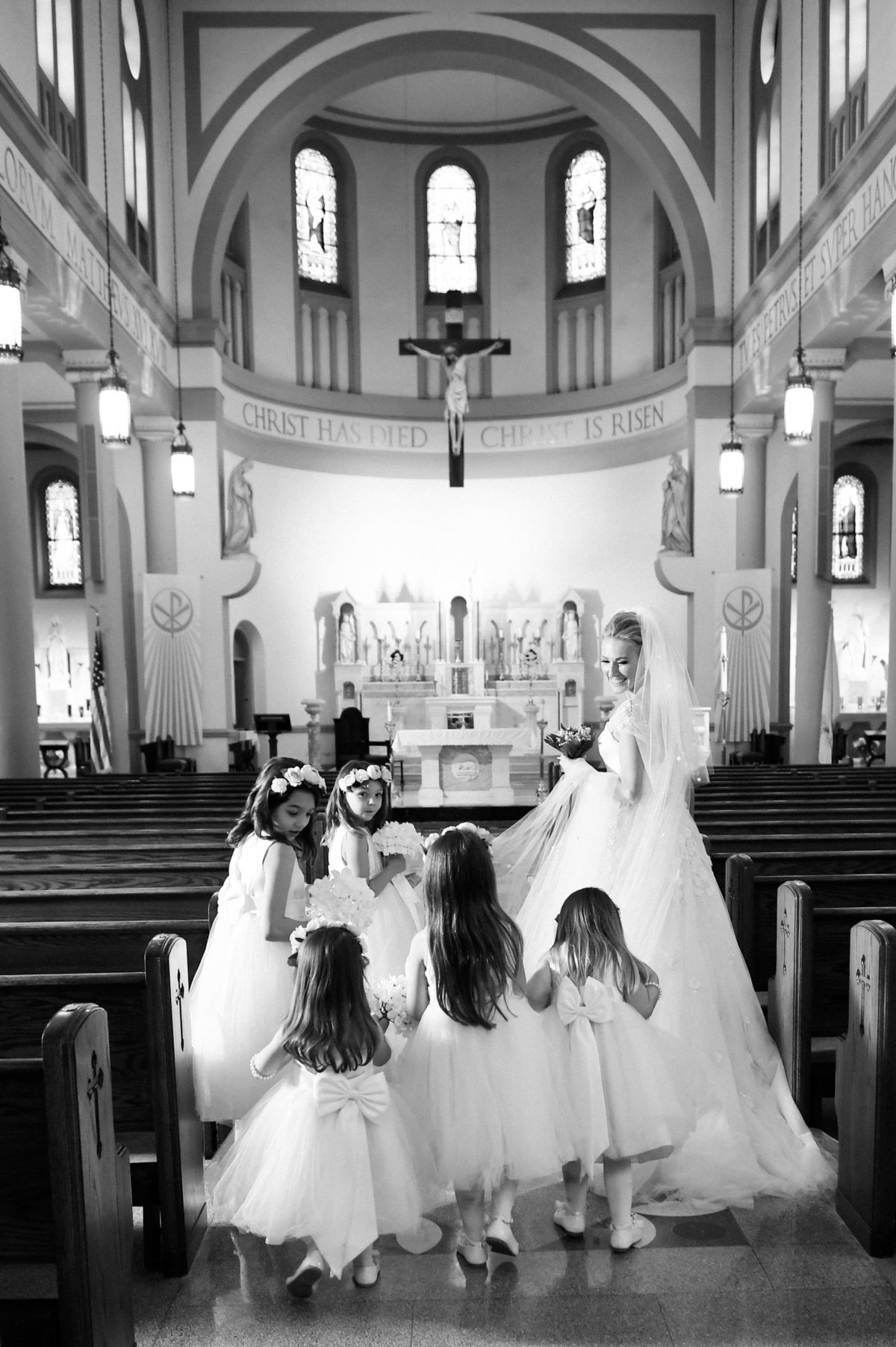 washington-dc-catholic-ceremony-wedding-photography-flower-girls