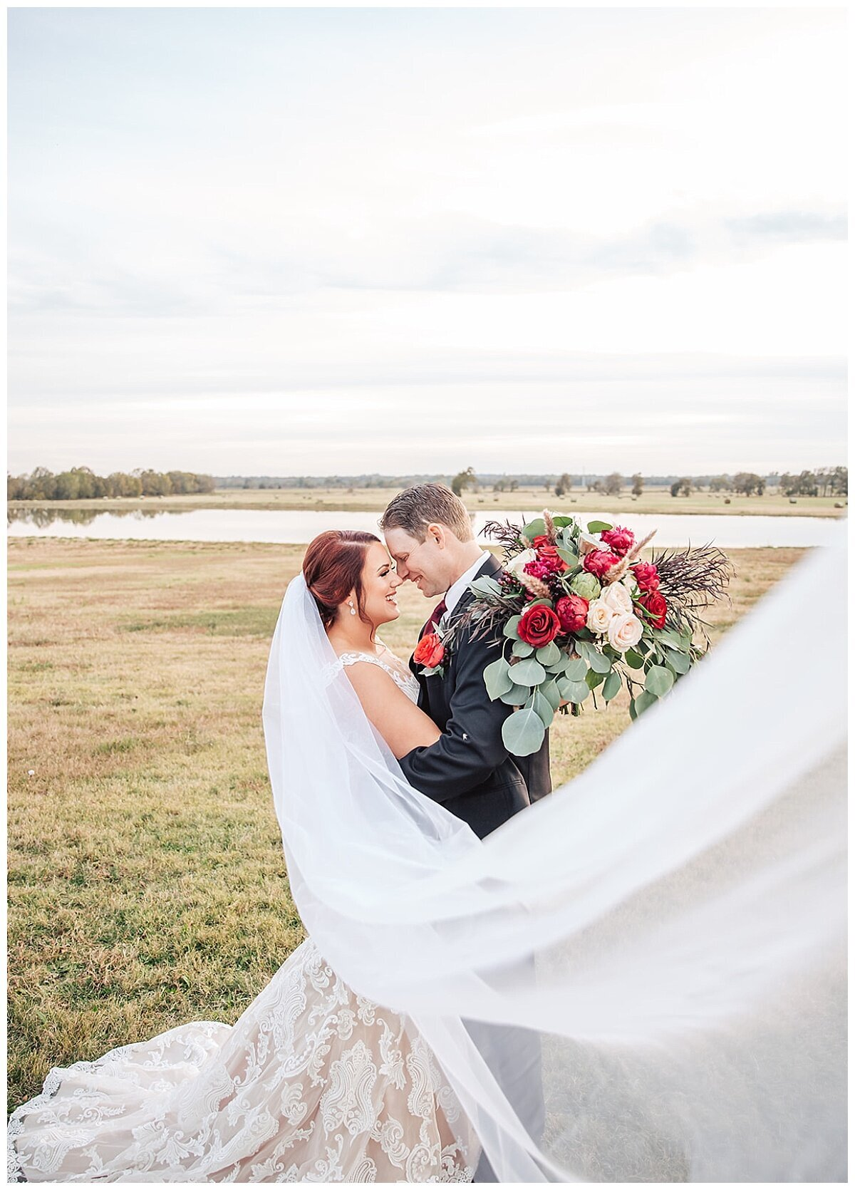 Houston Wedding Planner for Glam Boho Inspired Wedding- Bride and Groom Photos at Emery's Buffalo Creek- J Richter Events_0002