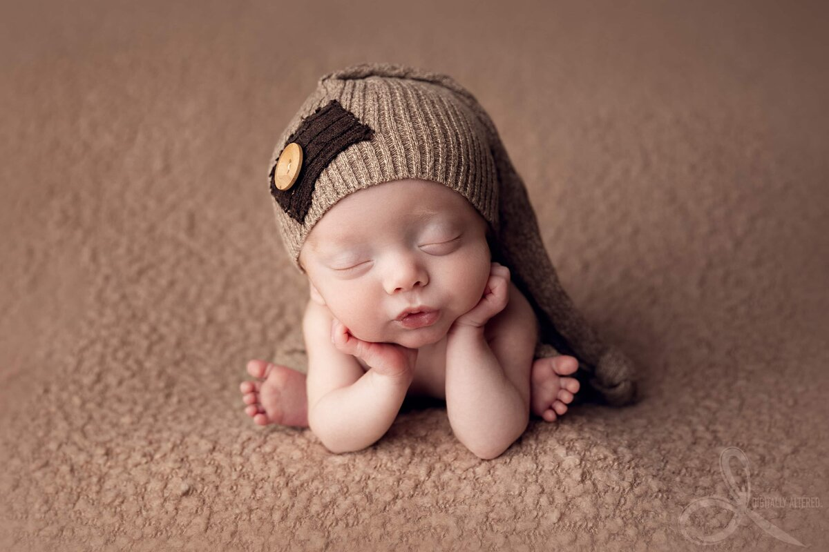 Baby boy with brown hat
