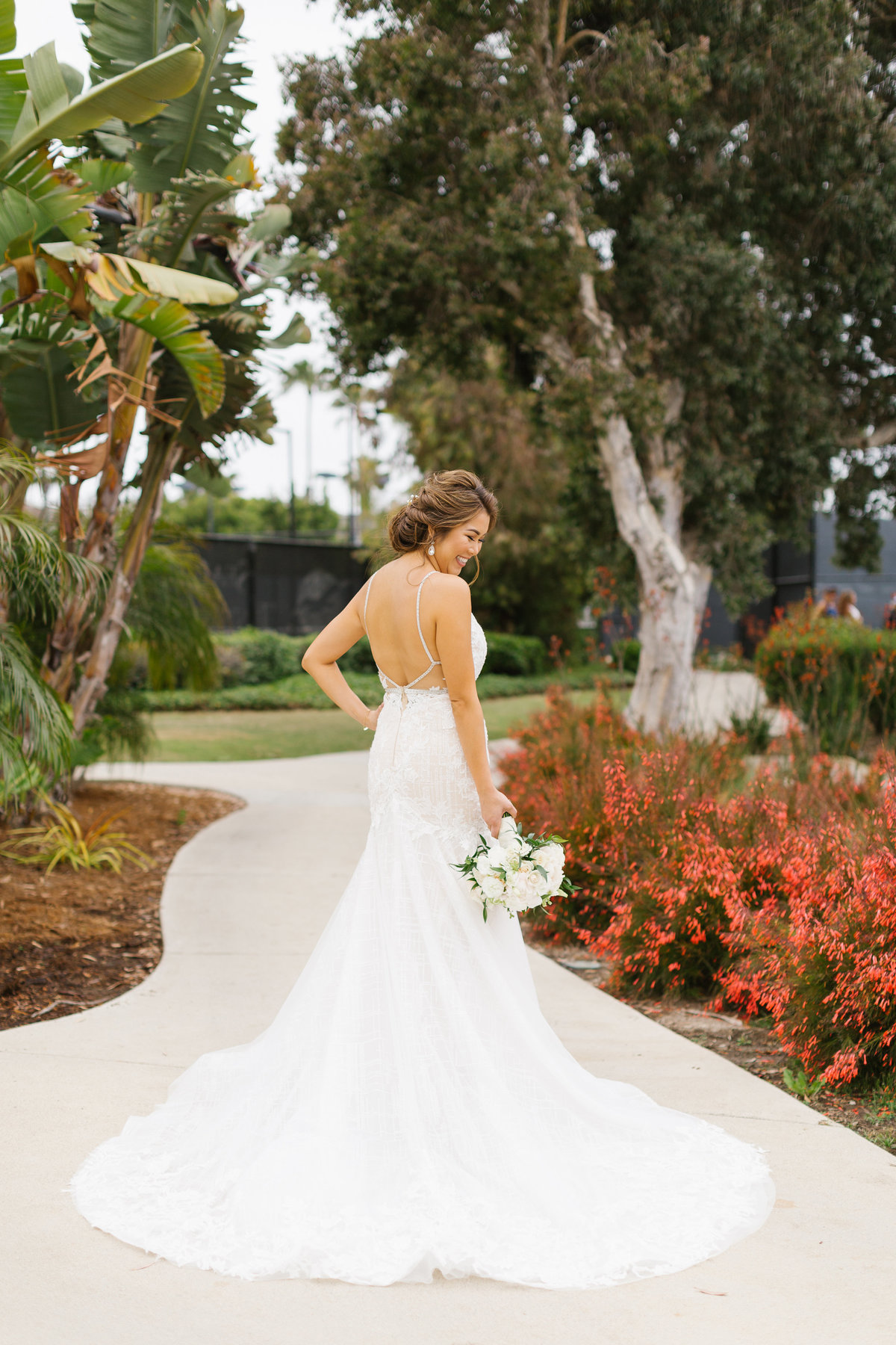 Huntington-Beach-Wedding-The-Venue-14