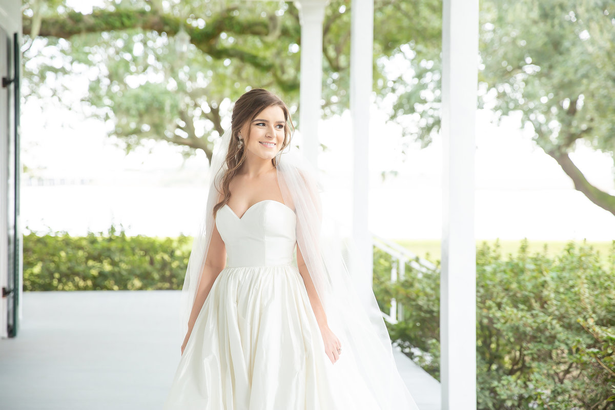 Bridal Portraits at the Old Place in Gautier