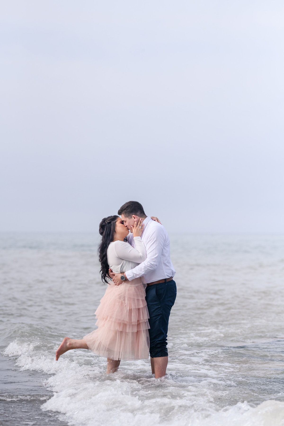 atwater-beach-engagement-milwaukee-the-paper-elephant-029