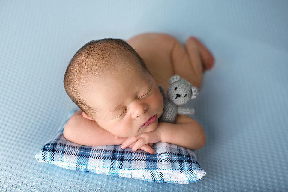 southbury-ct-newborn-photographer-elizabeth-frederick-photography