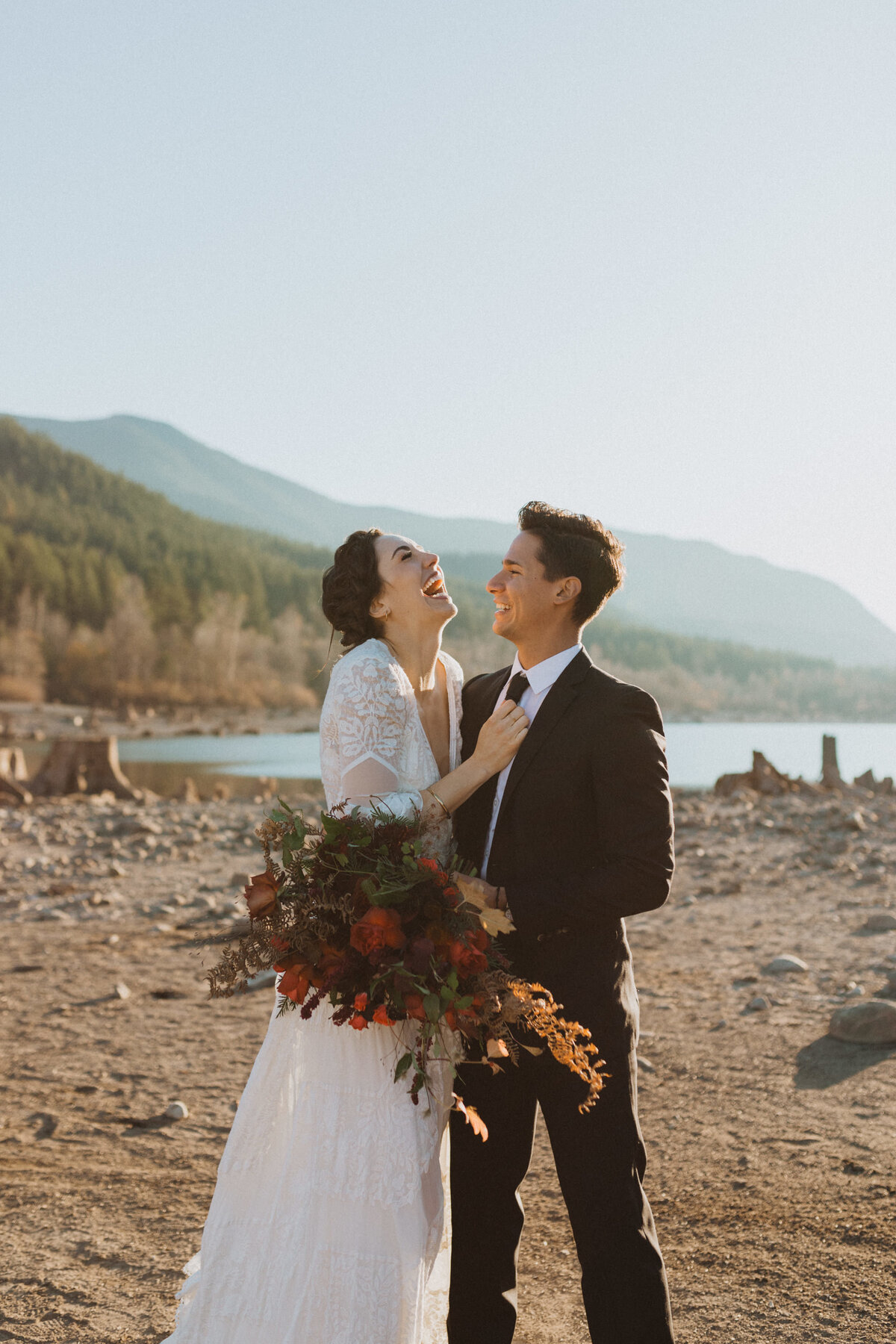 liv_hettinga_photography_seattle_lake_adventure_elopement-24
