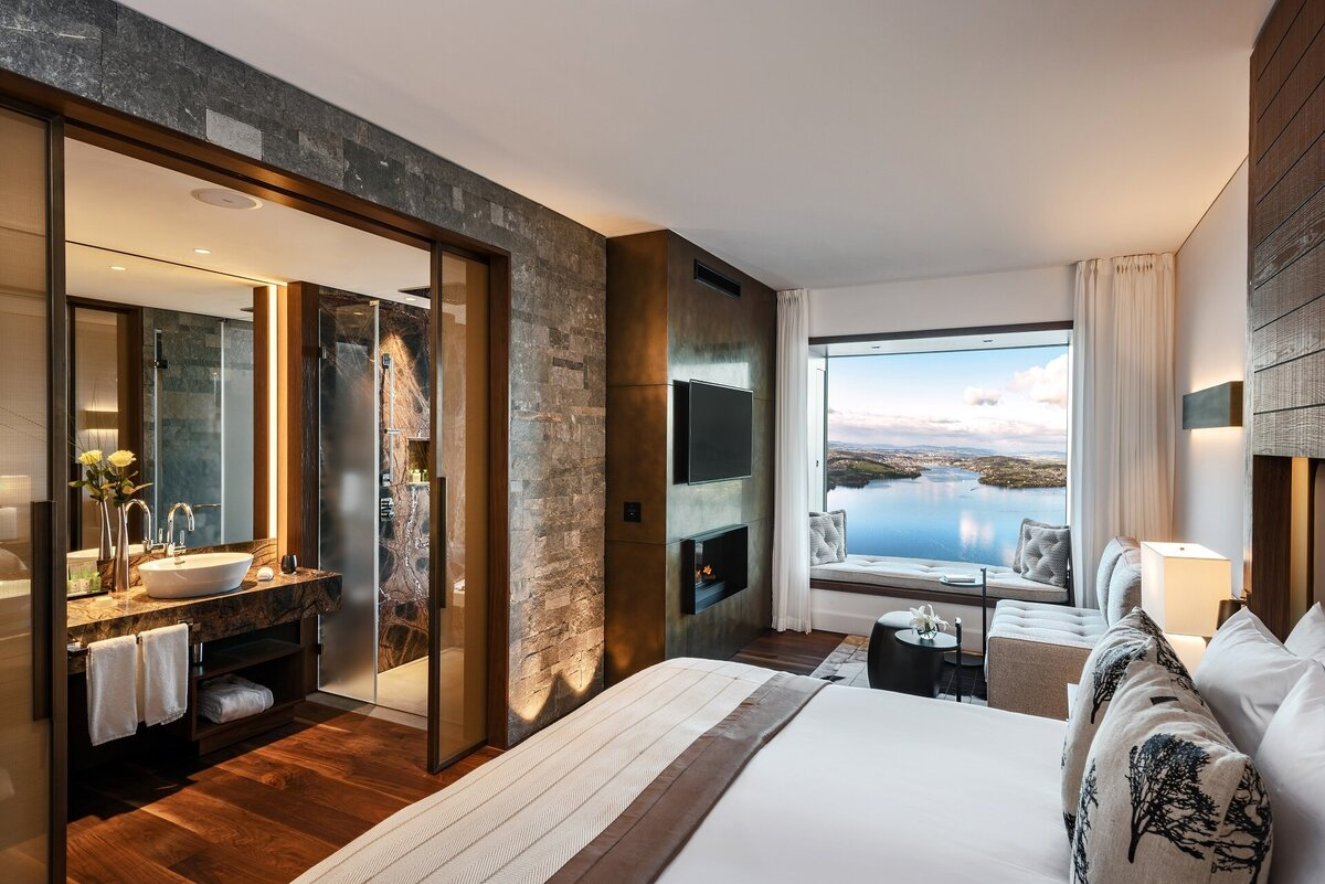 Buergenstock_hotel_guestroom_1_deluxe_lakeview_room_1