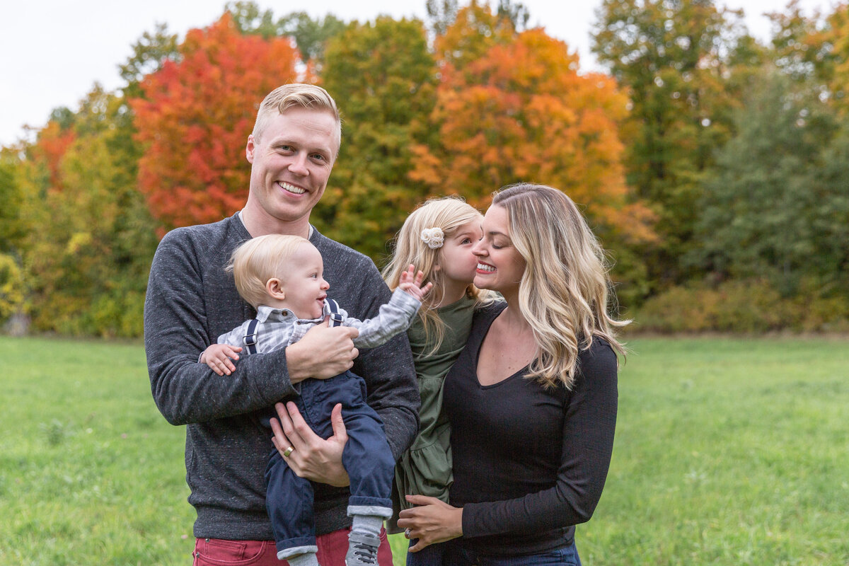 ottawa-fall-family-photographer-grey-loft-studio-32