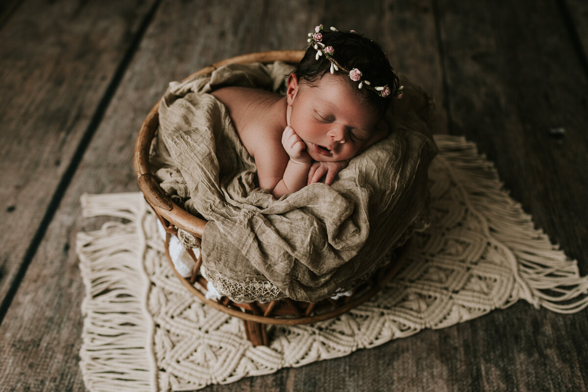 newborn photographer 63090-1