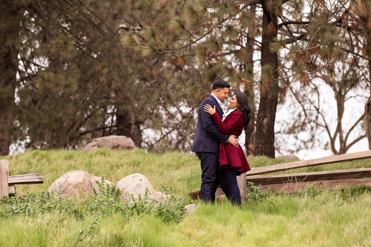 millerton-lake-engagement-photographer