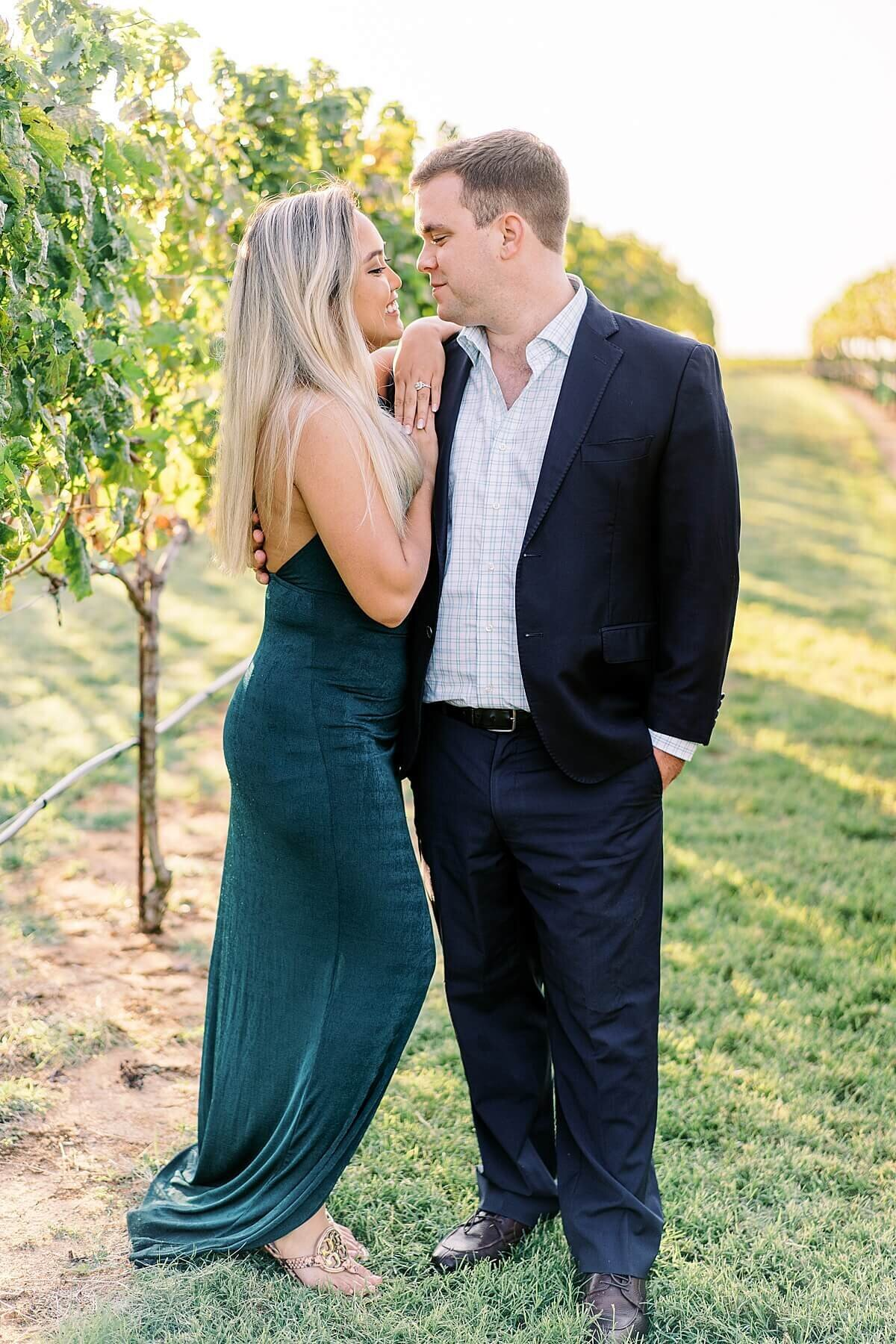 Texas-Hill-Country-Vineyard-Engagement-Portrait-Session-Alicia-Yarrish-Photography_0012