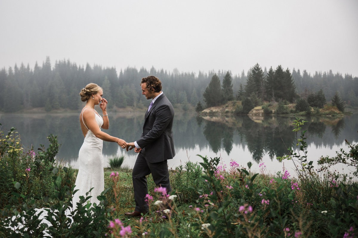 Snoqualmie-Pass-Elopement-Gold-Creek-Pond-18