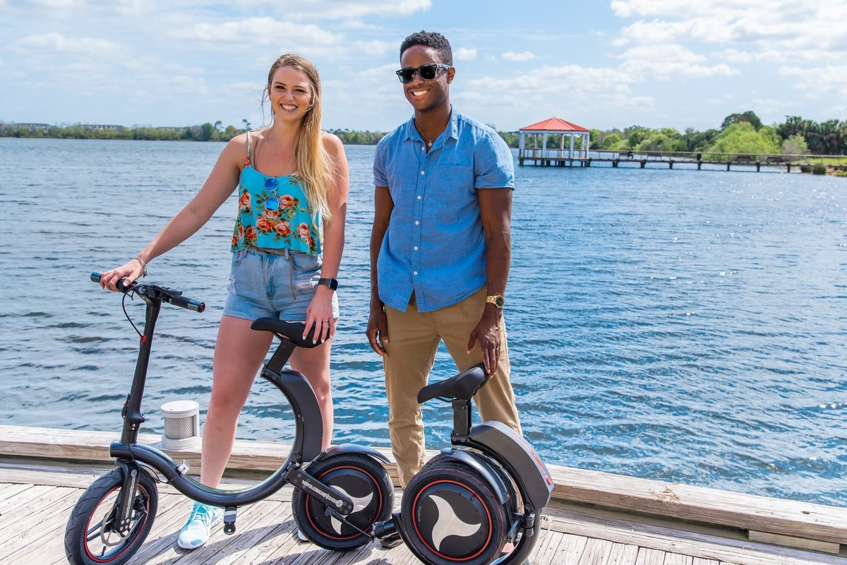 Students with 2 Go-Bike Q1 at the lake