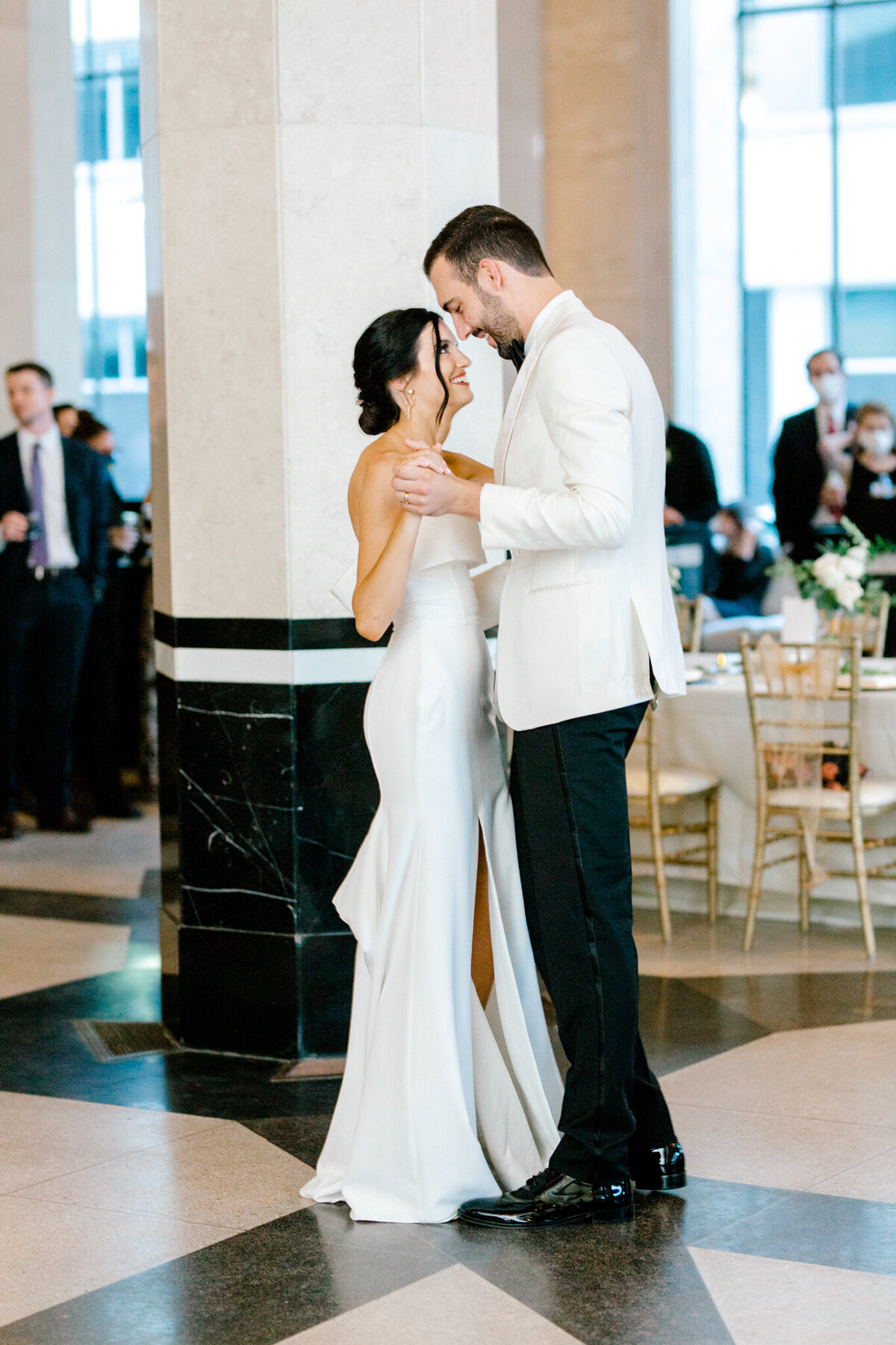 Hope & Zack's Wedding at the Carlisle Room | Dallas Wedding Photographer | Sami Kathryn Photography-110