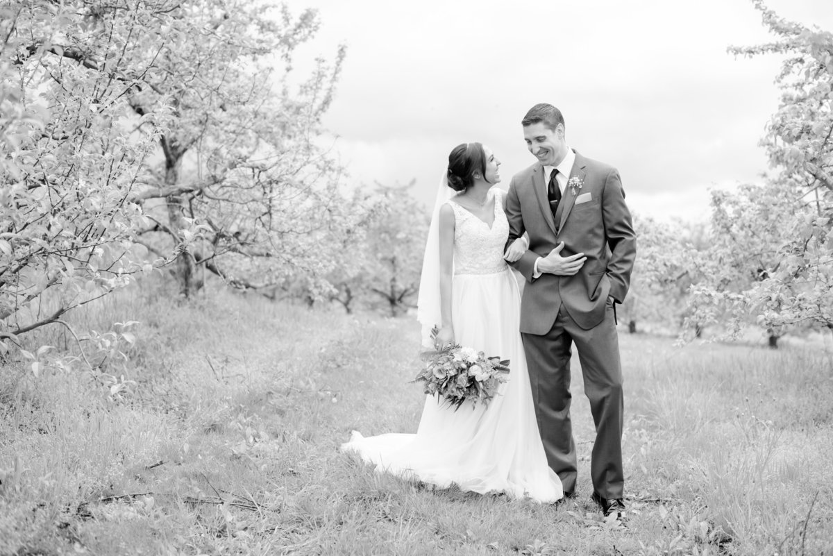 Rustic Barn Wedding Pennsylvania-Rodale Institute Wedding Raquel and Daniel Wedding 23034-37