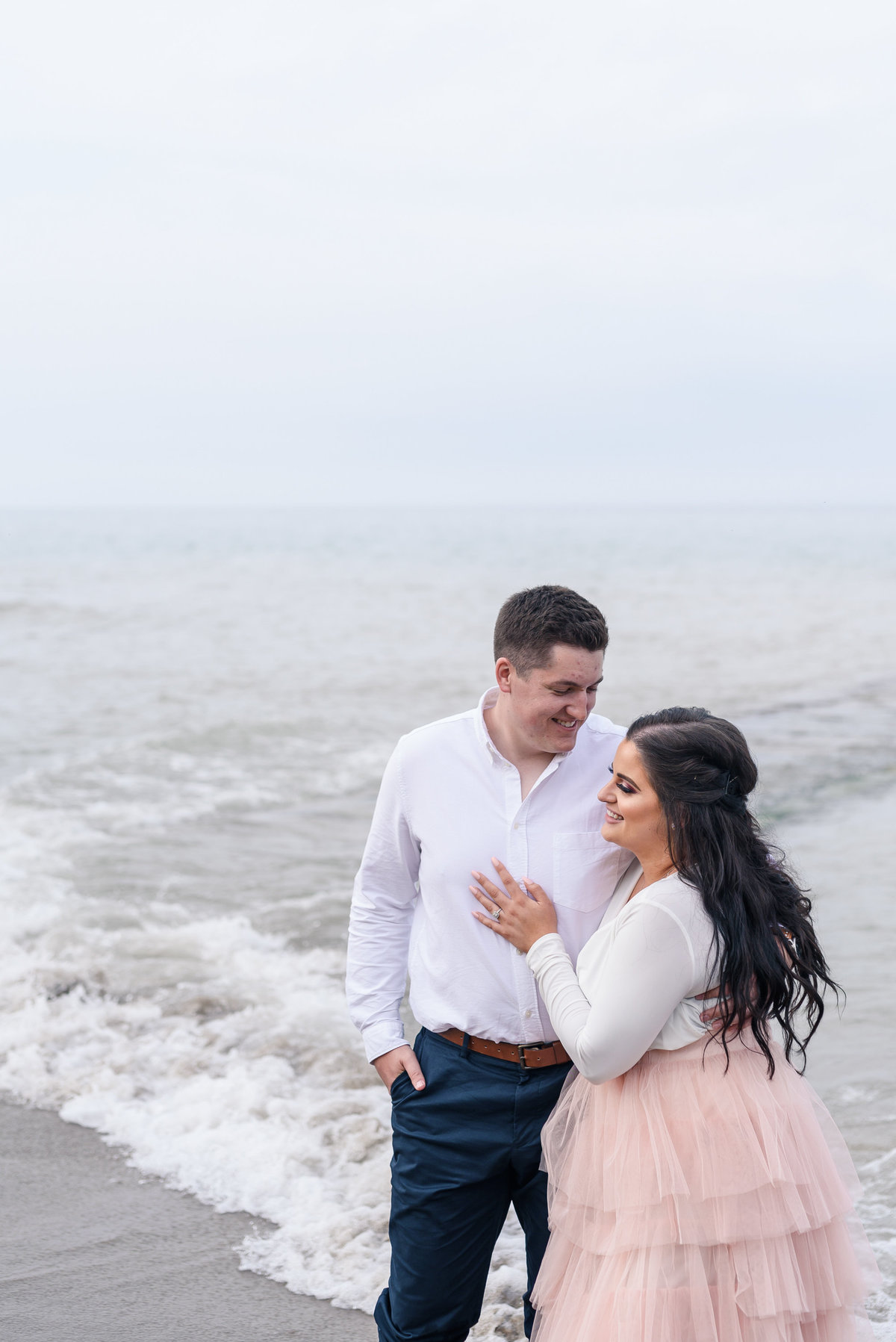 atwater-beach-engagement-milwaukee-the-paper-elephant-031
