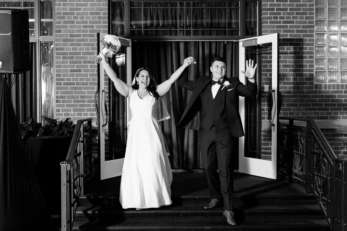 Rachel-Matt-Inn-at-St-Johns-Wedding-Michigan-Breanne-Rochelle-Photography126
