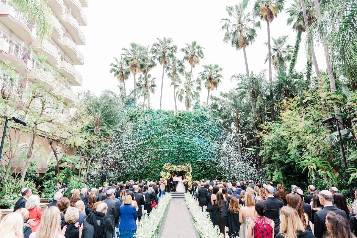 Four_Seasons_Beverly_Hills_Timeless_Wedding-Valorie_Darling_Photography-0976.jpg