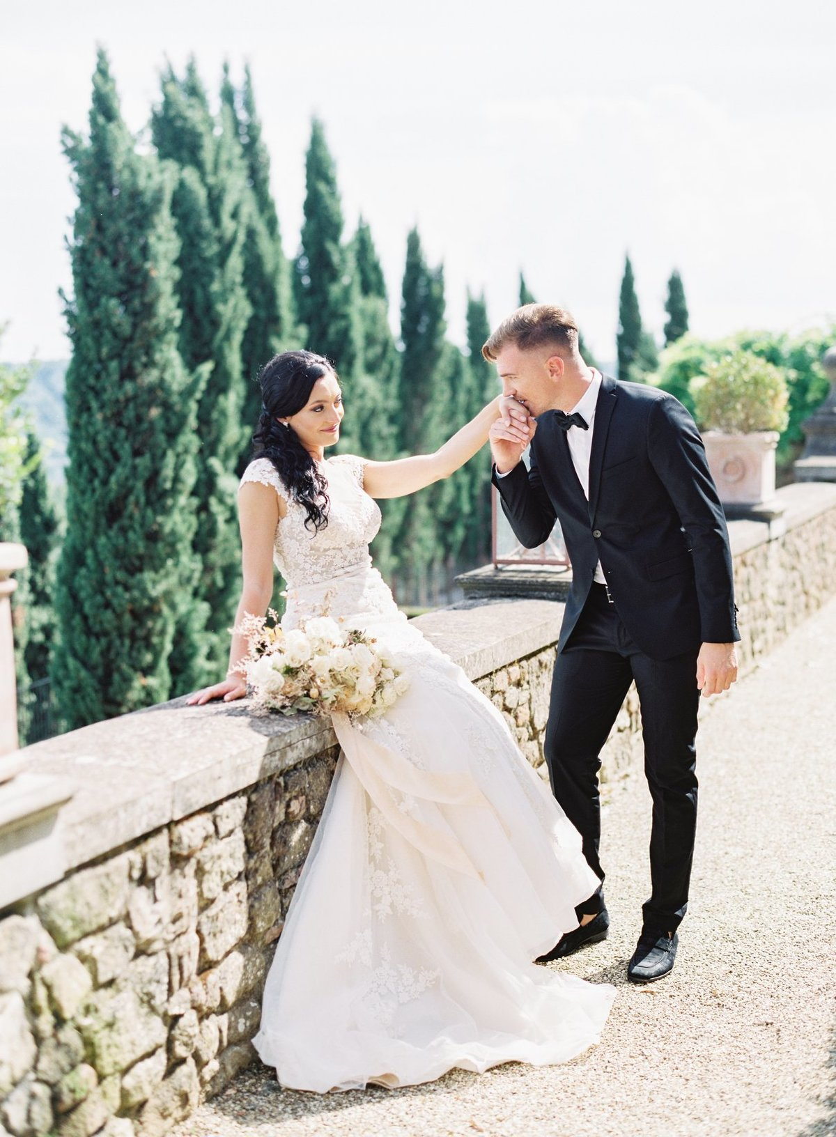 Wedding in Tuscany - Elegant Bride and Groom