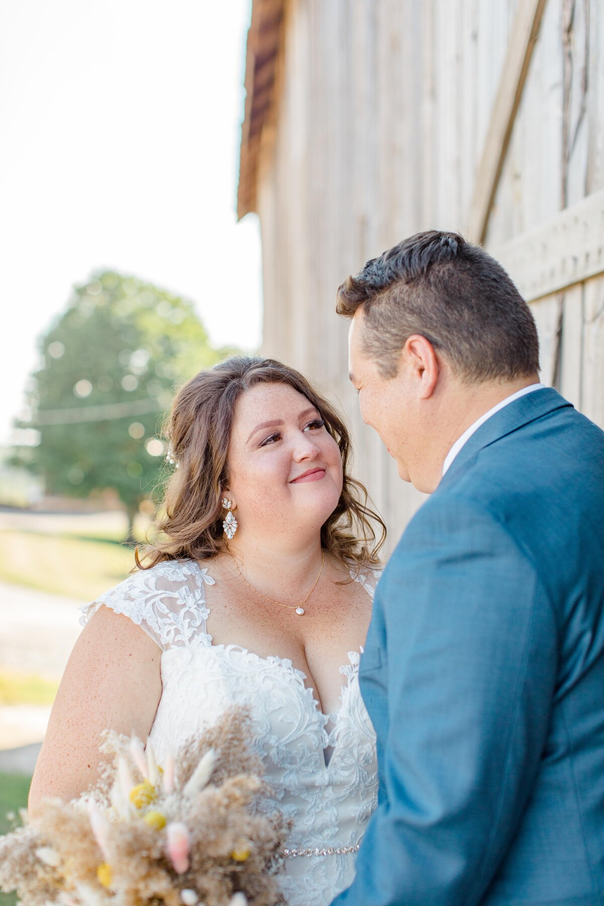laura-ben-campbell-farm-white-lake-wedding-grey-loft-studio-2020-122