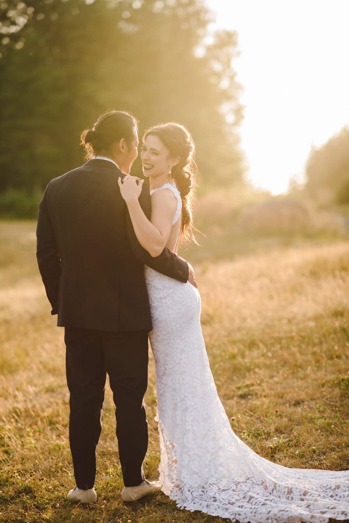 Seattle Wedding Photographer Karissa Roe Snoqualmie Point Park Wedding Photos-4