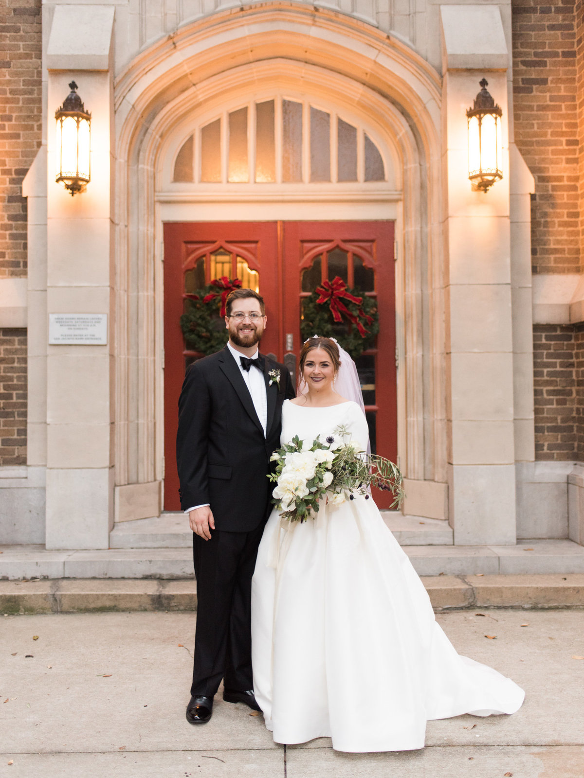 Courtney Hanson Photography - Festive Holiday Wedding in Dallas at Hickory Street Annex-0229