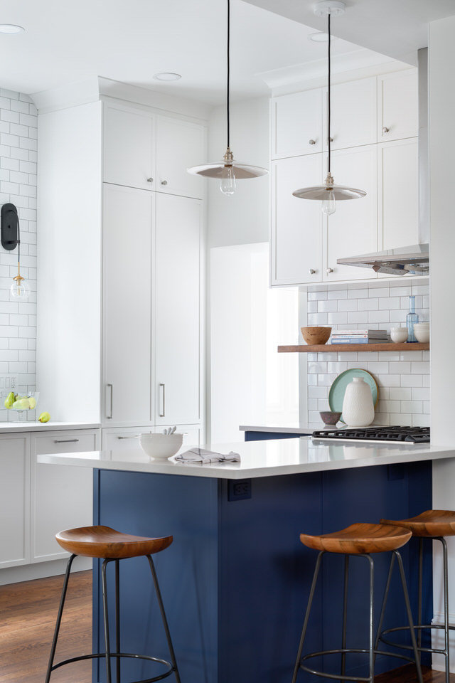 Blue and white kitchen - Alden stools