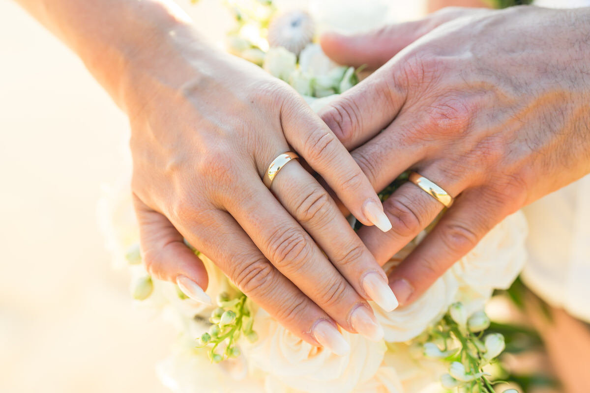 vow renewals in Maui with new rings