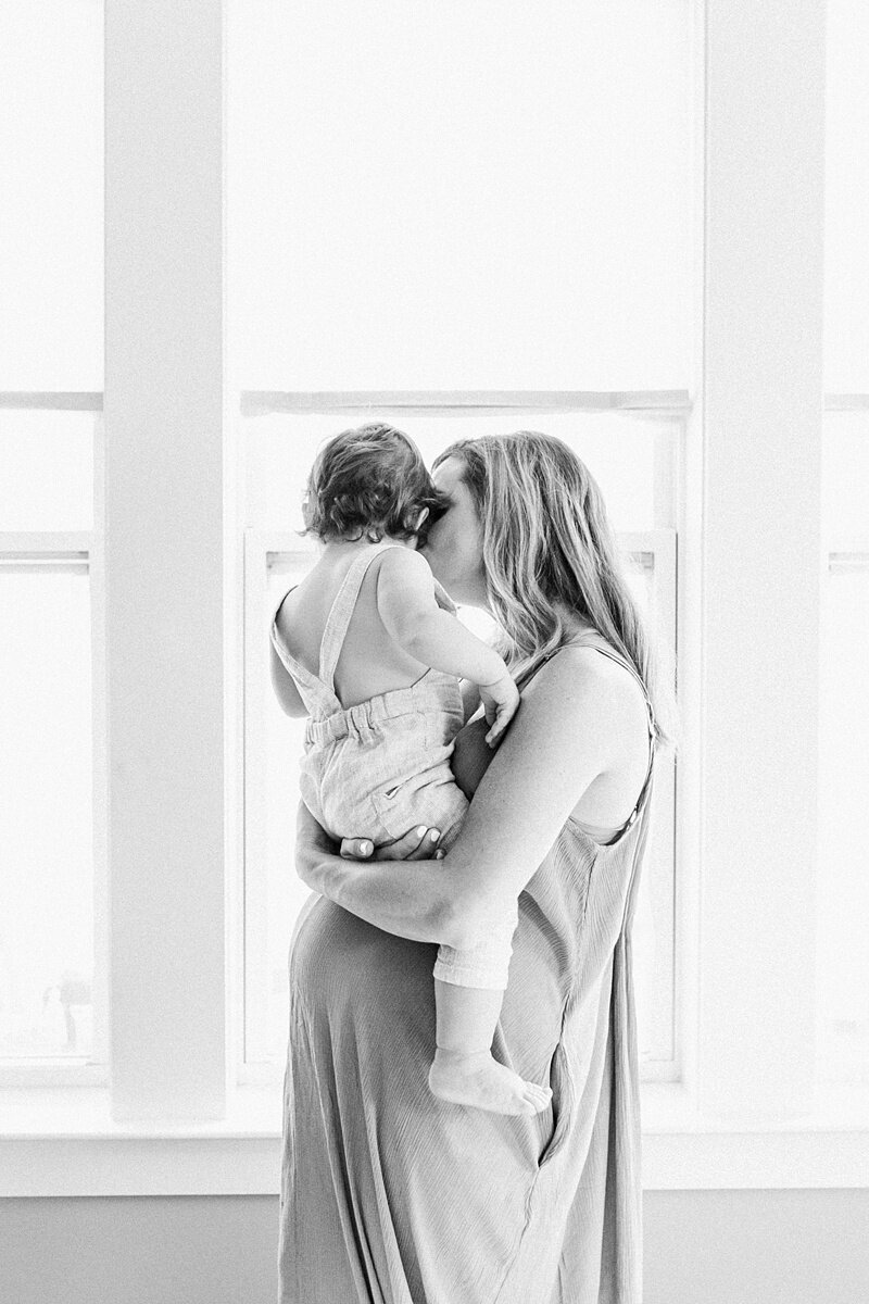 Mount-Pleasant-Maternity-Session-In-Home-Lifestyle_0048