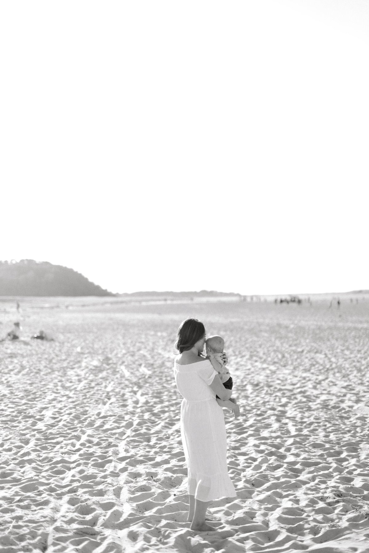 crane-beach-family-session-boston-lifestyle-newborn-photographer-photo_0019