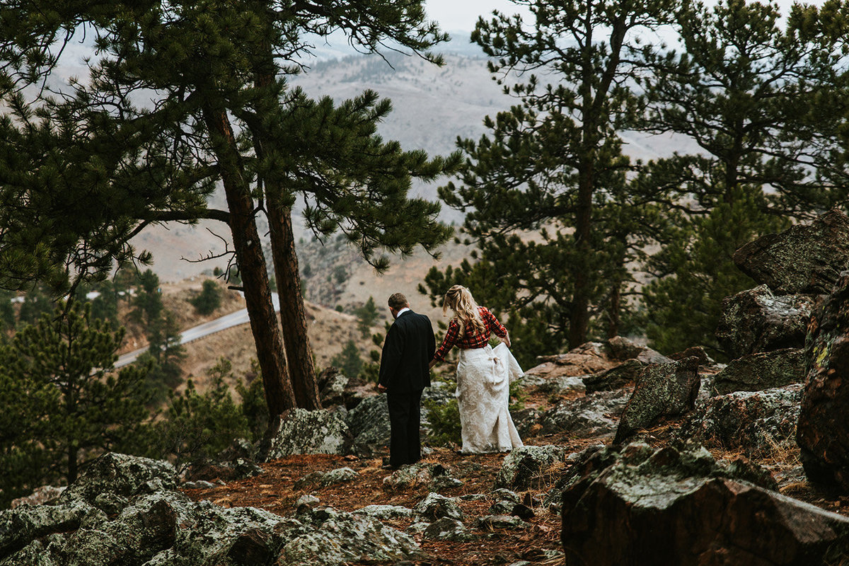 wedding couple at Lookout Mountain in Colorado