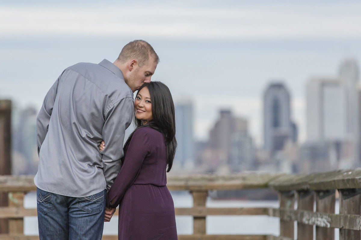 seattle wedding photographer Alki point seattle skyline engagement photo