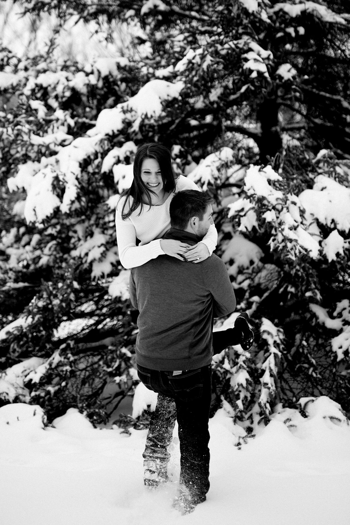 Angela-Blake-Winter-Engagement-Edsel-Eleanor-Ford-House-Breanne-Rochelle-Photography25
