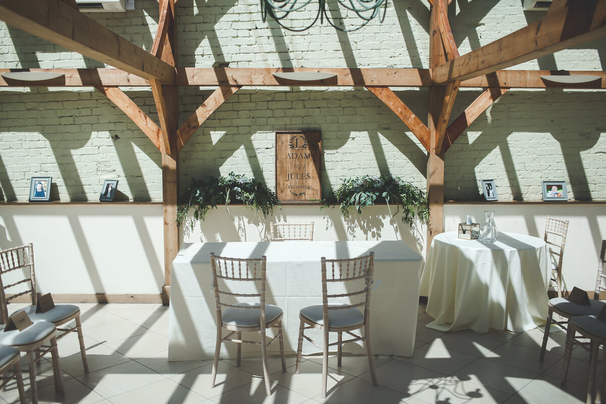 GAYNES-PARK-BARN-WEDDING-ESSEX-0021