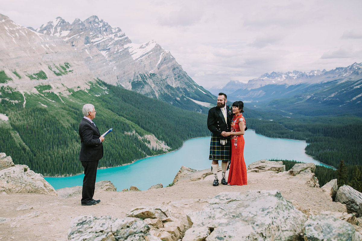 stunning peyto lake elopement ceremony Canadian Rocky Mountains
