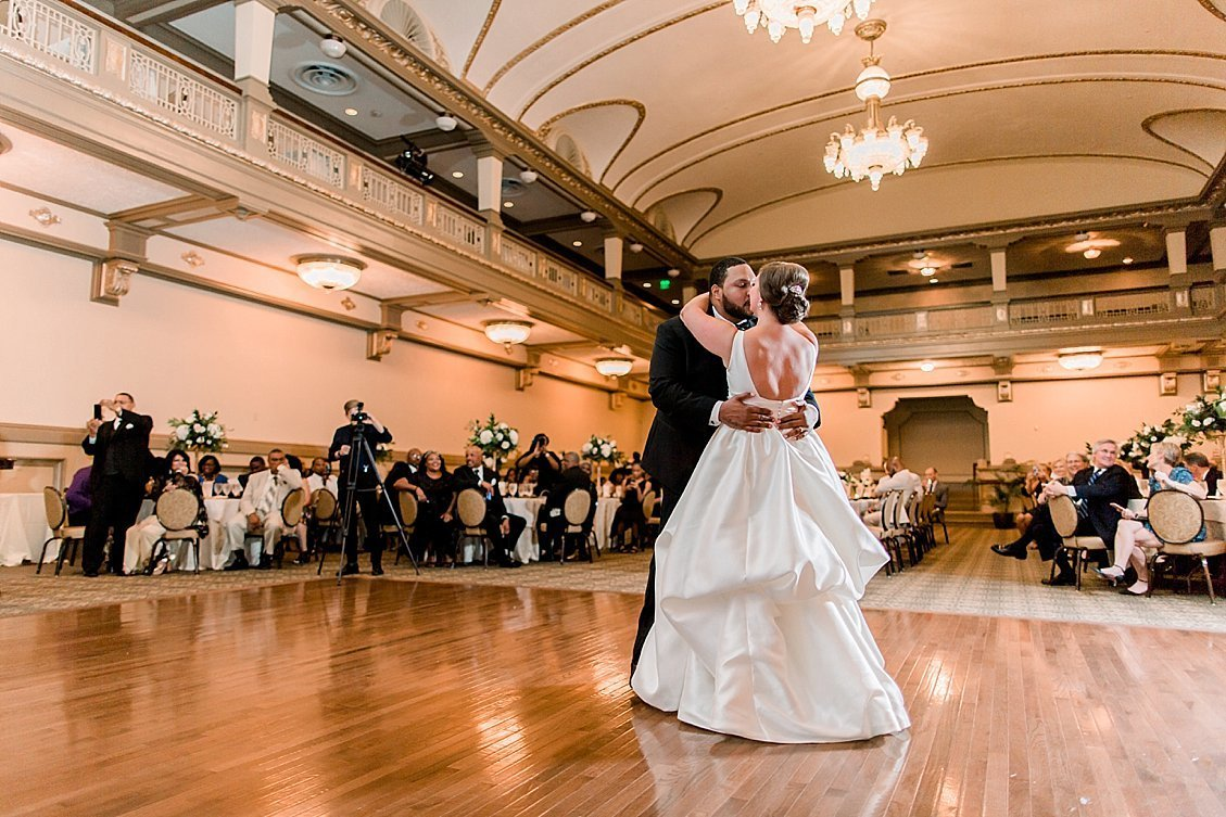 sharonelizabethphotography-johnmarshallballrooms-richmondvirginiaweddingphotographer-classicballroomwedding-johnmarshallballroomwedding{seq}0132