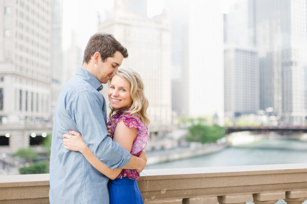 chicago-engagement-photography-wrigley-building-20