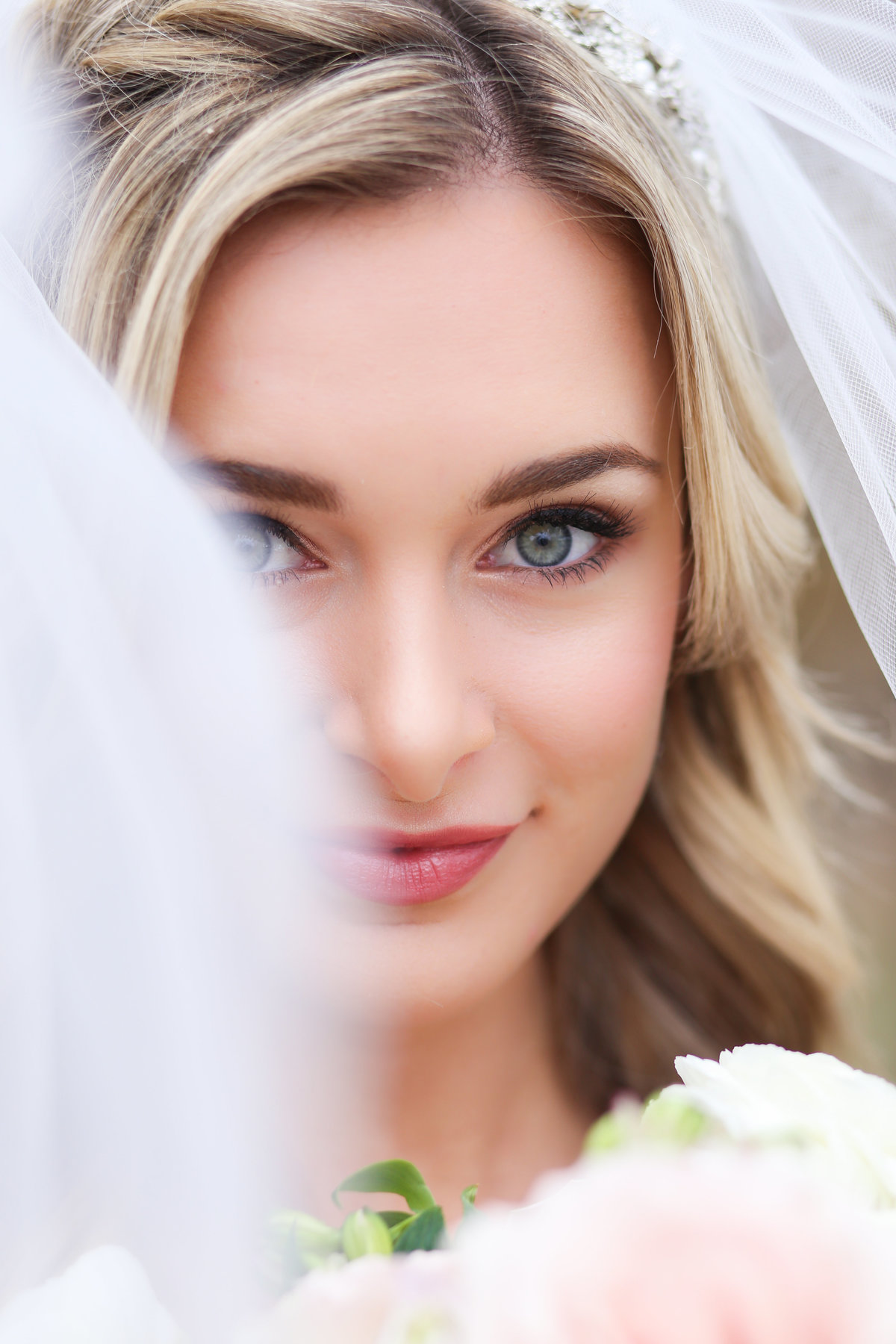 kc bridal shows - overland park wedding photographer - kansas city senior portrait photographers near me